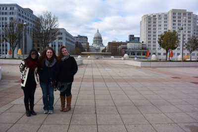 Capitol_Building_Girls