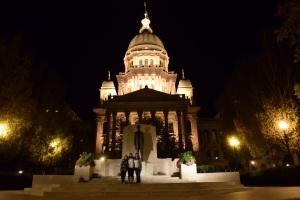 Illinois_Capitol_Girls