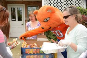 Sammy_Bearkat_Hot_Dog
