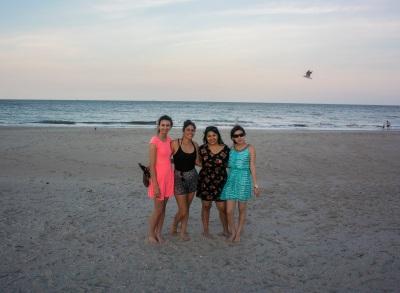 Beach_Girls_6_Web