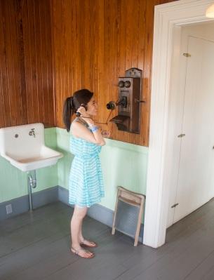 Karla_Telephone_Web