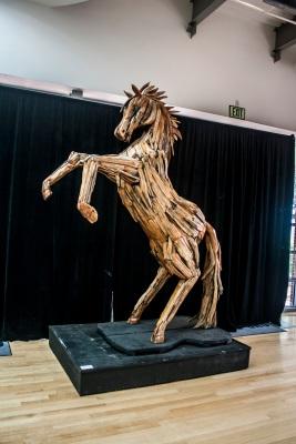 Ohr_Okeefe_Horse_Hind_Legs_Web