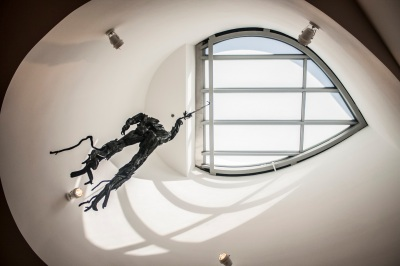Ohr_OKeefe_Museum_Hanging_man_Web