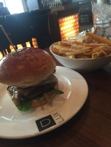 DLUX_Burger_Web