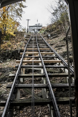 Dubuque_Incline_Tracks_Up_Web