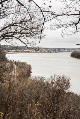 Dubuque_Monument_Overlook_Web