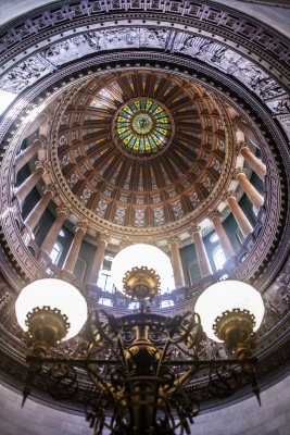 Illinois_Capitol_Dome_Lights_Web
