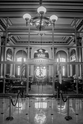Illinois_Capitol_Governor_Office_Web