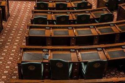 Illinois_Capitol_House_Desks_Web