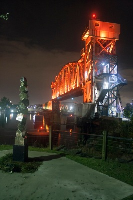 Junction_Bridge_Sculpture_Night_Web