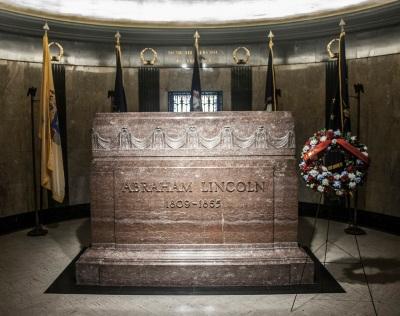 Lincoln_Tomb_Tomb_Web