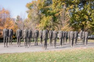 Segway_Sculpture_Garden_30_Men_Standing_Web