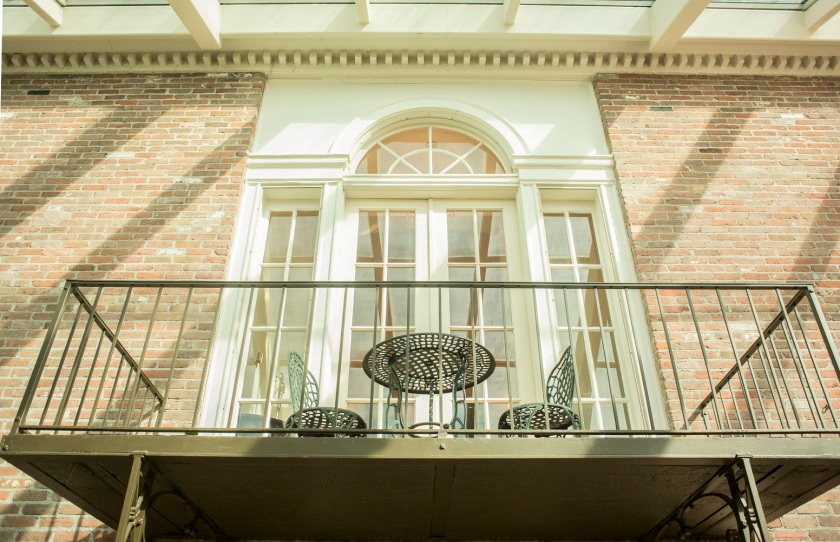 Governors_Mansion_Balcony_Web