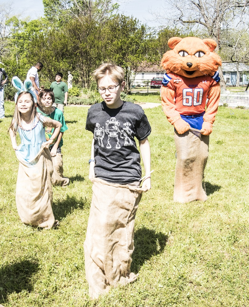 Sack_Races_4_Sammy_Bearkat_Web