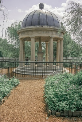 Hermitage_Grave_3_Web