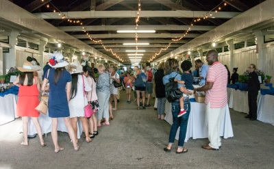 Kentucky_Horse_Park_Dinner_Line_Web
