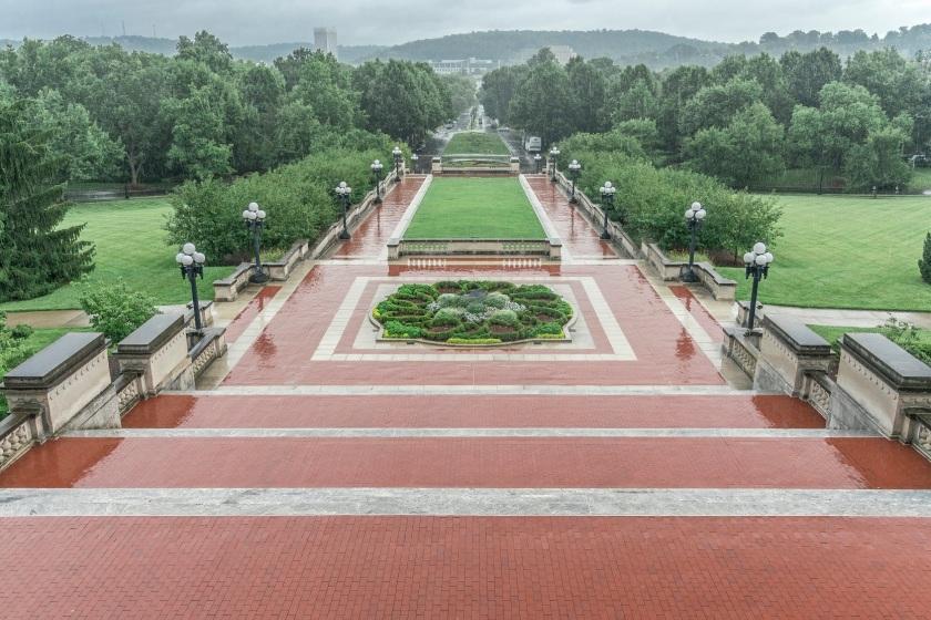 Kentucky Capitol, Grounds
