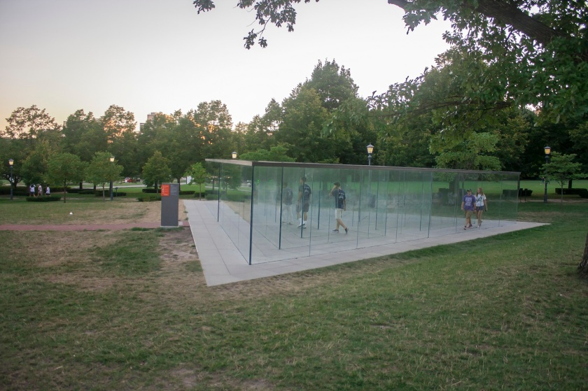 Nelson-Atkins Museum of Art, Robert Morris, Glass Labyrinth