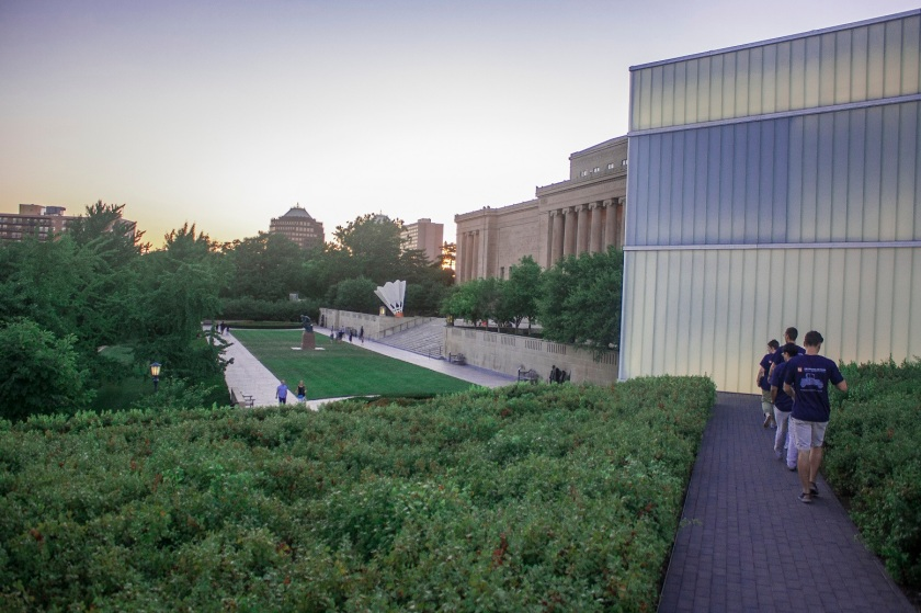 Nelson_Atkins_Walking_Web