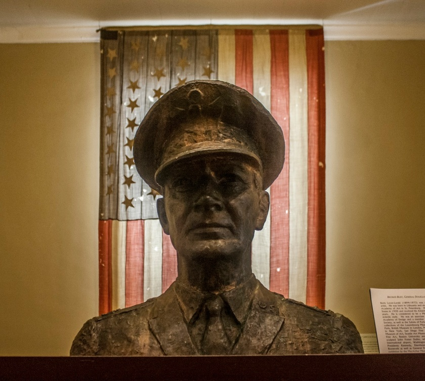 Little_Rock_MacArthur_Bust_Web