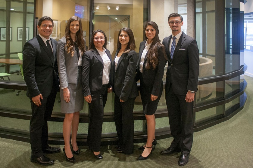 moot_court_scrimmage_group_formal_web