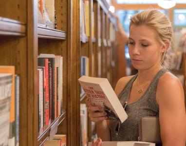 Flagstaff_5_Bookstore_Maggie_Web